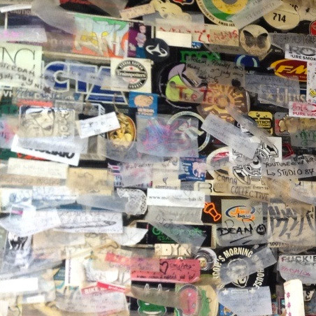 sticker-rolling-papers-grey-area-close-up