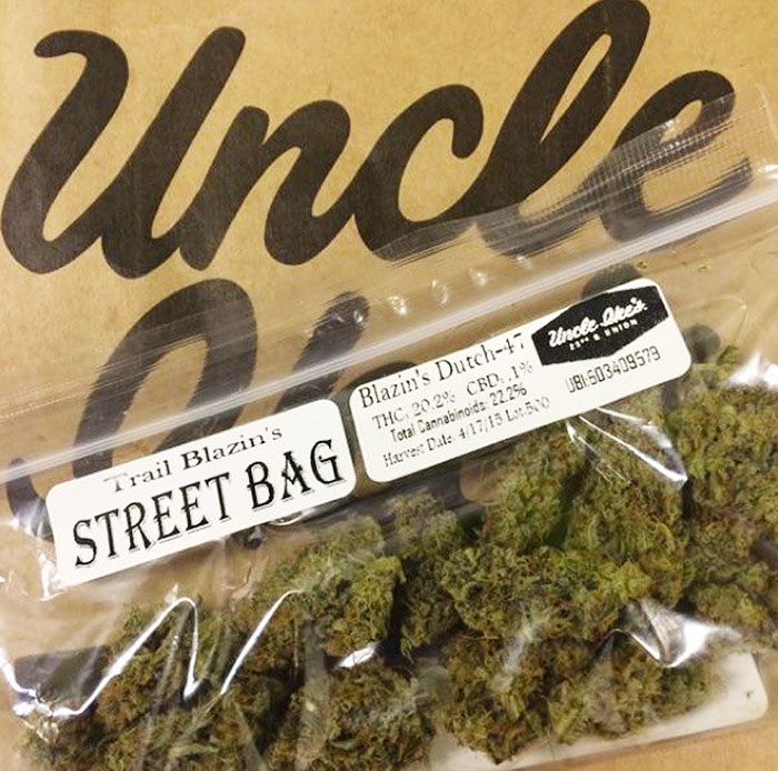 Uncle Ike's exclusive Trail Blazins' Street Bag